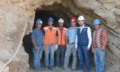 Seremi de Minería Igor Díaz junto a pequeños mineros de la región (1280x989)